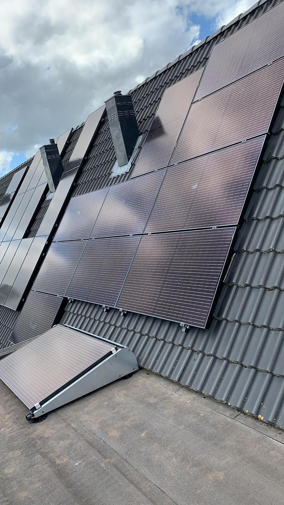 GewoonZon zonnepanelen plaatsen Leek