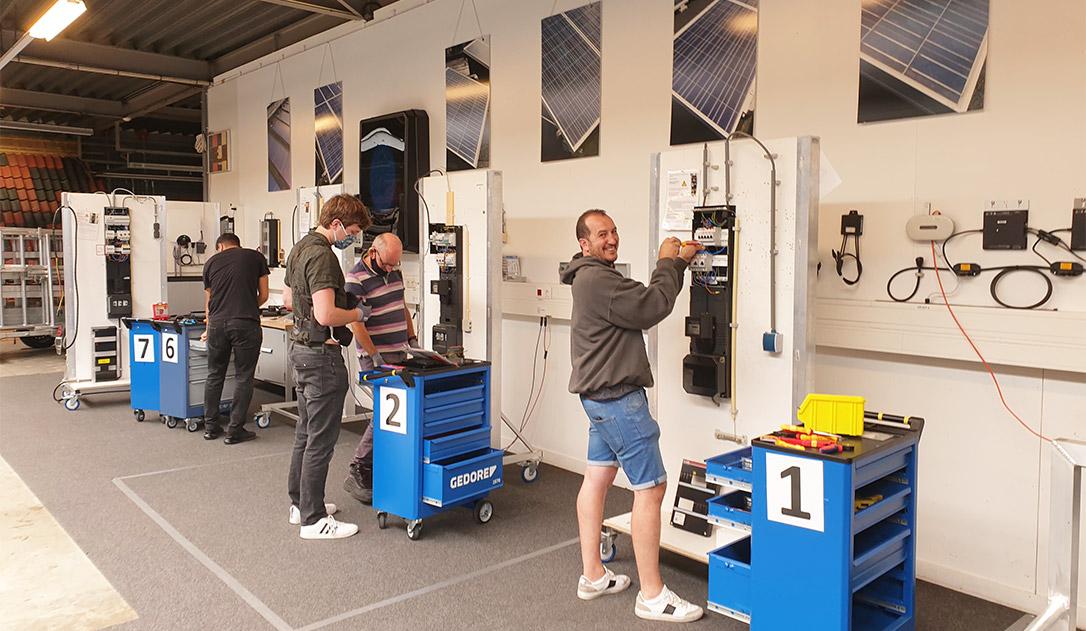 Geslaagde trainingsdag voor aangesloten SGZZ-installateurs als mooie stap richting het InstallQ-examen